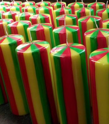 carnavalskaars,rood, geel en groen kaars, Cobbenhagen kaarsen