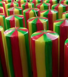 carnavalskaars groot,rood, geel en groen kaars, Cobbenhagen kaarsen